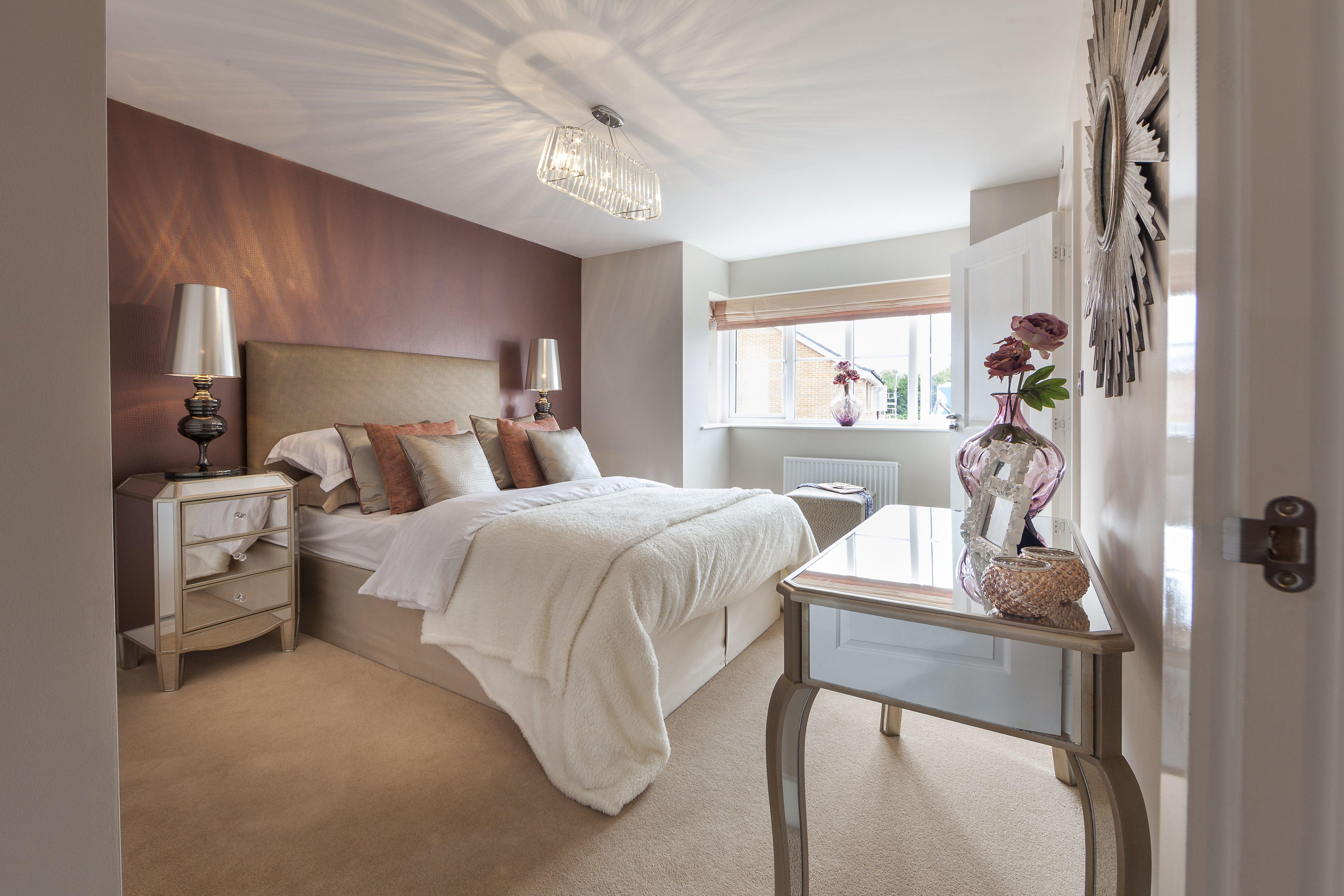 Simple bedroom design rich tones