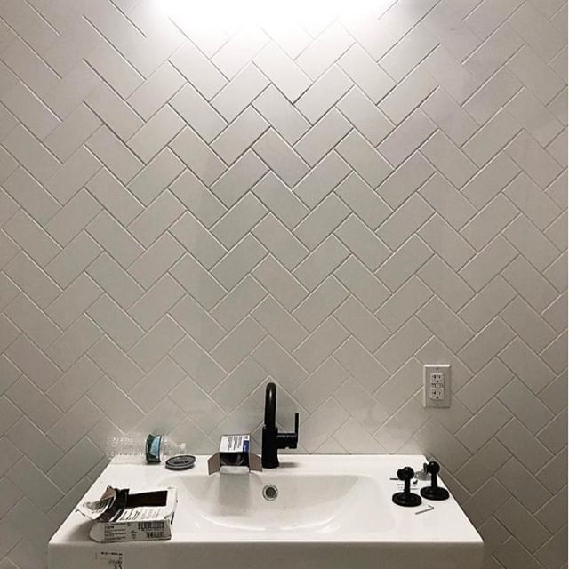 Still in progress and so elegant. We are definitely staring at this herringbone pattern install using the 3x6 Fresh White subway tile. 📷: @catmancave . . . #jeffreycourthd #DIYbloggers #DIYcreatives #diyhomedecor #lifestyledecor #bloggernation #JCinspiration #houseofjcstyle #tilersofinstagram #tiledesign #designinteriors #tileart #remodeling #homemaker #tileinspiration  #homedepot #JClookbook #jeffreycourtlookbook #jeffreycourtstyle #DIYinspiration #jcinspiredme #renovationchallenge #