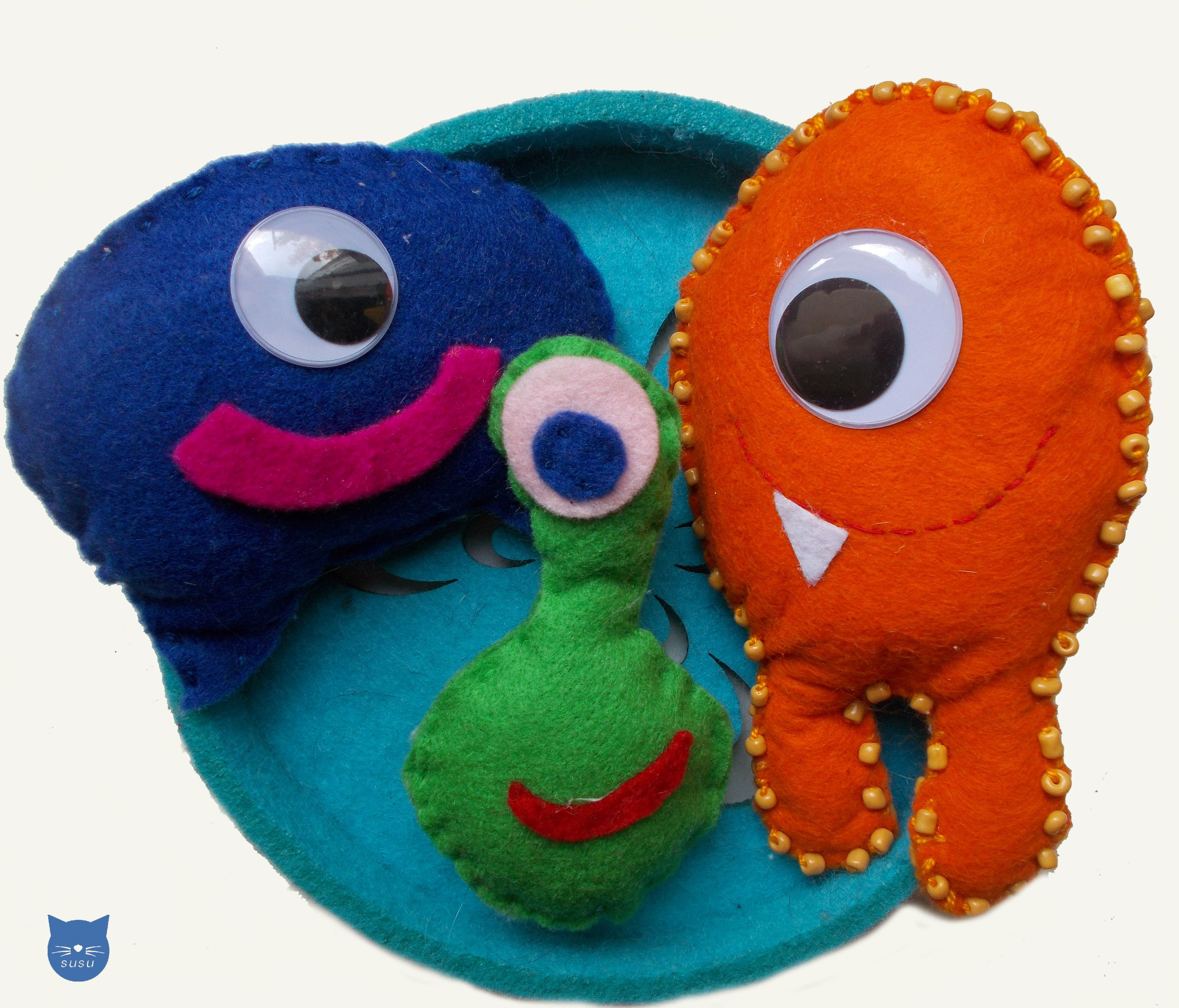 felt monsters with big eyes susu
