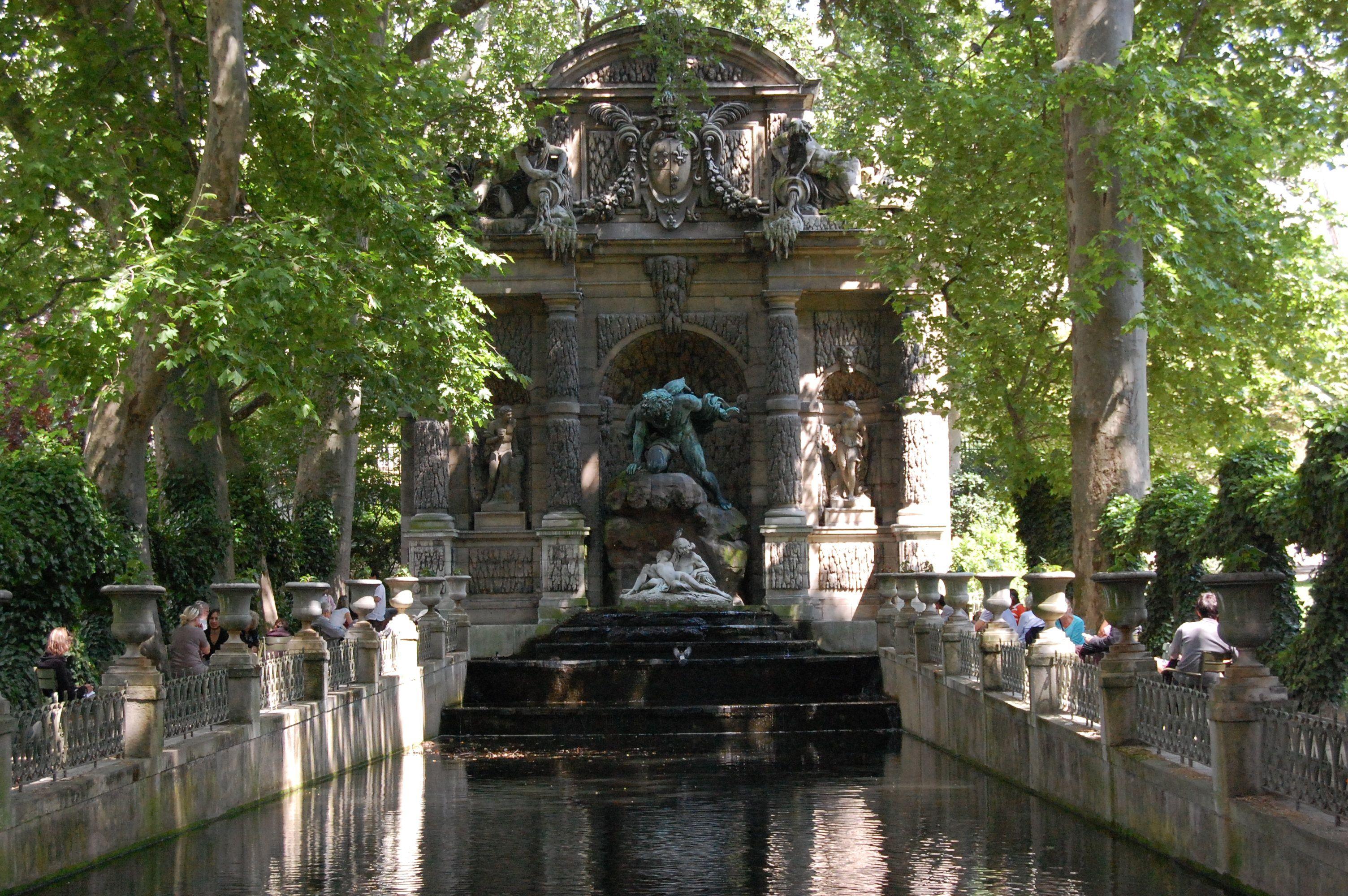 Les jardins du luxembourg fontaine de m decis paris for Le jardin luxembourg