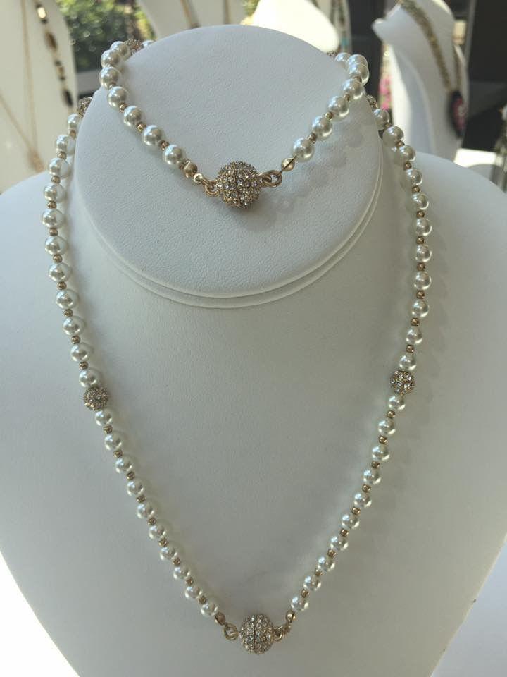 Sweet Caroline necklace and bracelet Premier Designs Pearl