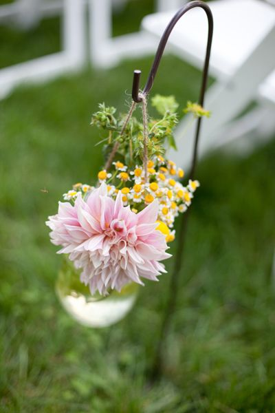 shepherd's hook arrangement | Stephanie Fay #wedding