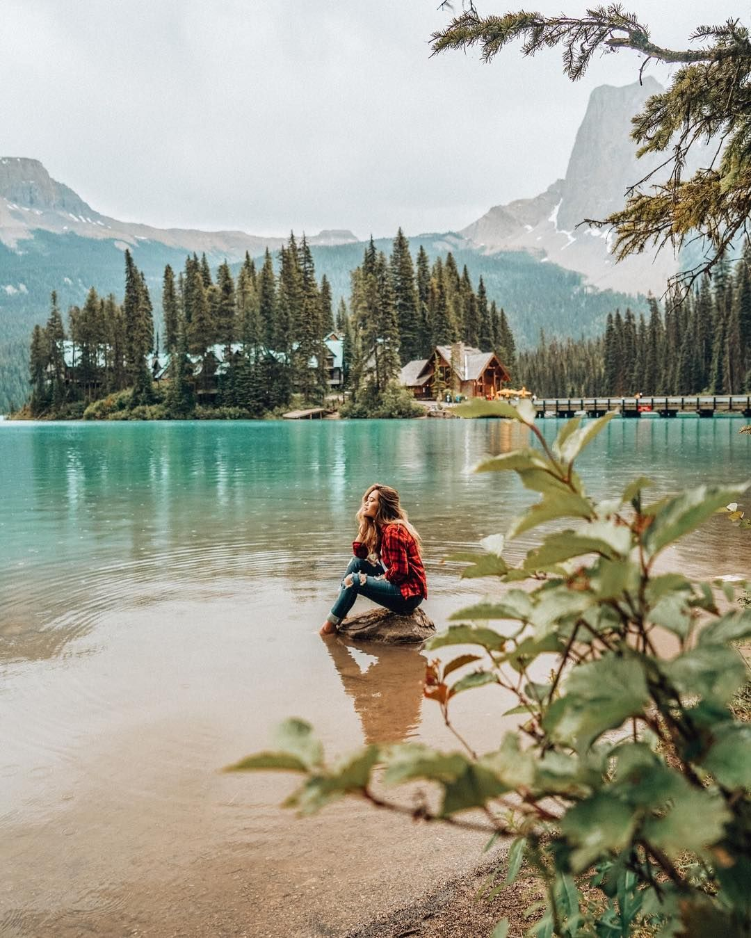 Emerald Lake Banff National Park Yoho Calgary Alberta Travel Style Kayak Outdoors Adventure In Opt Instagram