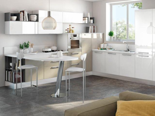 weiße Küchenzeile Regal Einbaugeräte Hochglanz Pendelleuchte