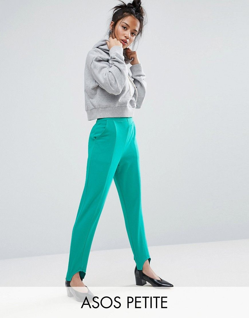Joggers desestructurados con diseño fuseau de ASOS Petite. Pantalones de  chándal de ASOS PETITE, En un acabado de punto suave al tacto, ...