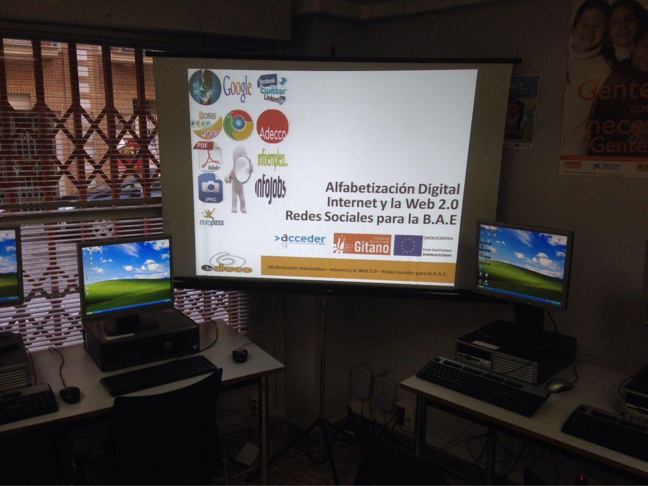Esta semana hemos comenzado un nuevo #Curso en la #FSG #Huelva #Alfabetización #Informática #RedesSociales #Empleabilidad