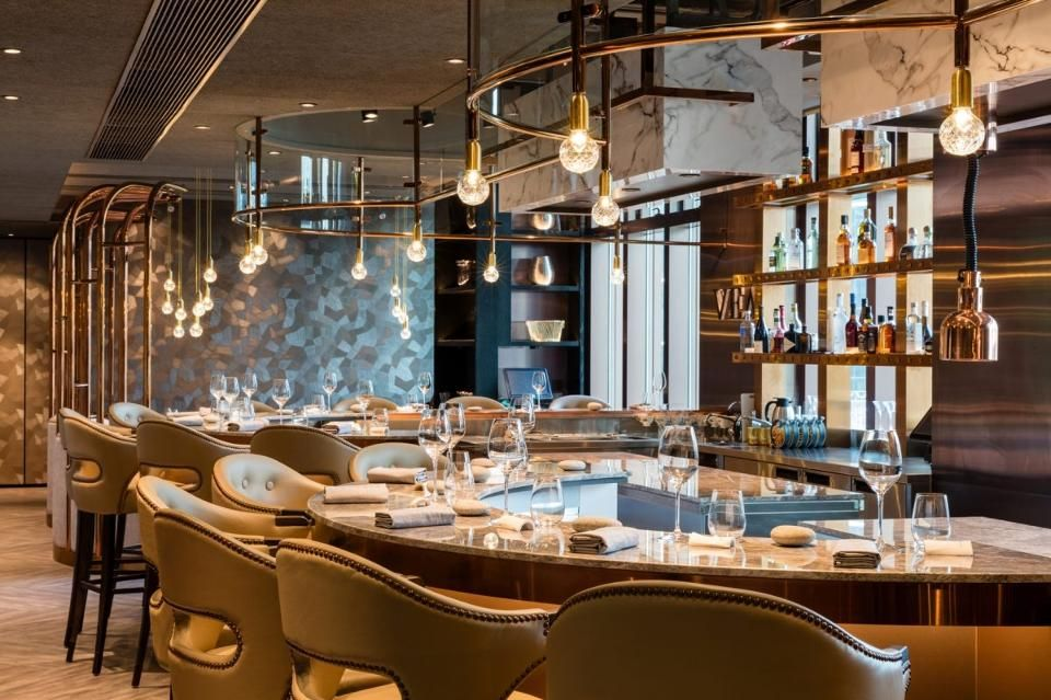 Michelin Announces 2017 Stars For Hong Kong And Macau Peninsula Gets Its First Star And Alain Ducasse S Spoon Falls Off List Michelin Star Restaurant Interior Restaurant Interior Restaurant Design