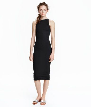 Fitted, sleeveless, knee-length dress in ribbed jersey with a sheen. Narrow-cut at top with a boat neck.