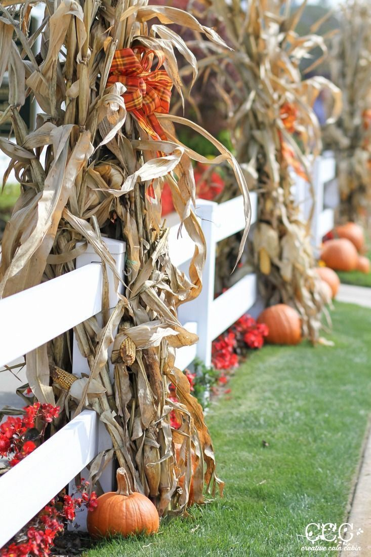 My absolute fave! I miss farm life! Will definitely do this with our - Pinterest Outdoor Halloween Decorations