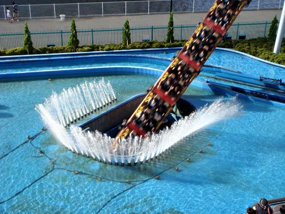 Diving Roller Coaster Japan Underwater Roller Coaster And Japan - Pedal powered skycycle rollercoaster japan amazing