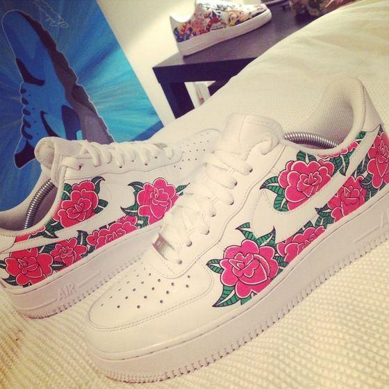 Custom pair of floral Nike Air Force 1's | Forceeesss.♡ in
