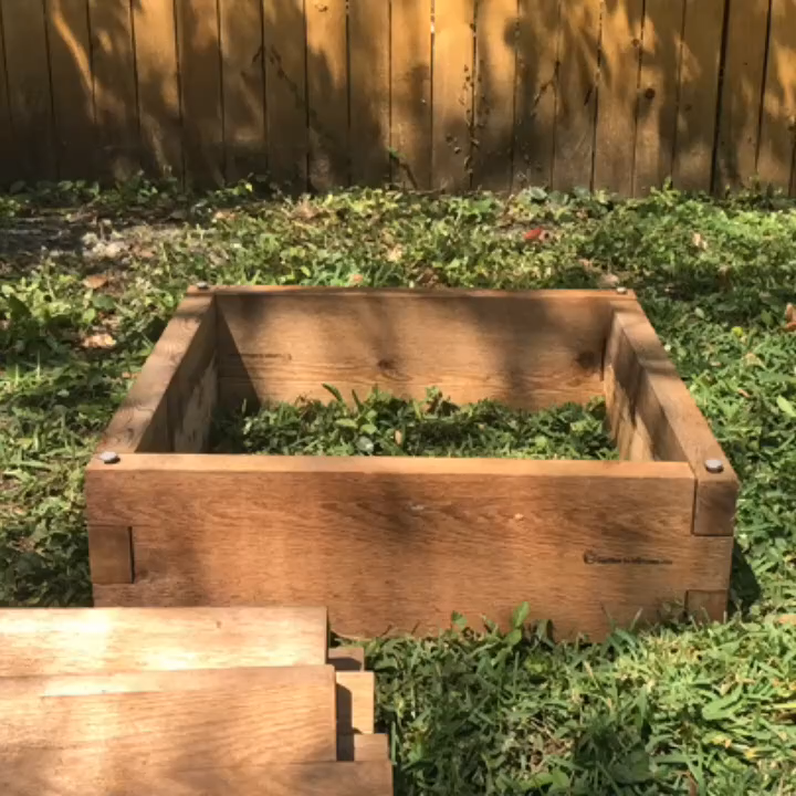 We decided to make our herb garden taller, so we stacked our 2x2 Raised Garden Bed! No tools needed, and made in no time. We make gardening easy! 😉  #gardendesign #gardendesignideas #gardeningtools #gardening #gardeninggifts #homegardening #gardeningservices #gardensupply #gardengoods #gardenwebsites #urbangardening #urbangardens #vegetablegardening #vegetablegardens #communitygarden #communitygardening #backyardgarden #organicgardening #veggiegardening #gardeninglife