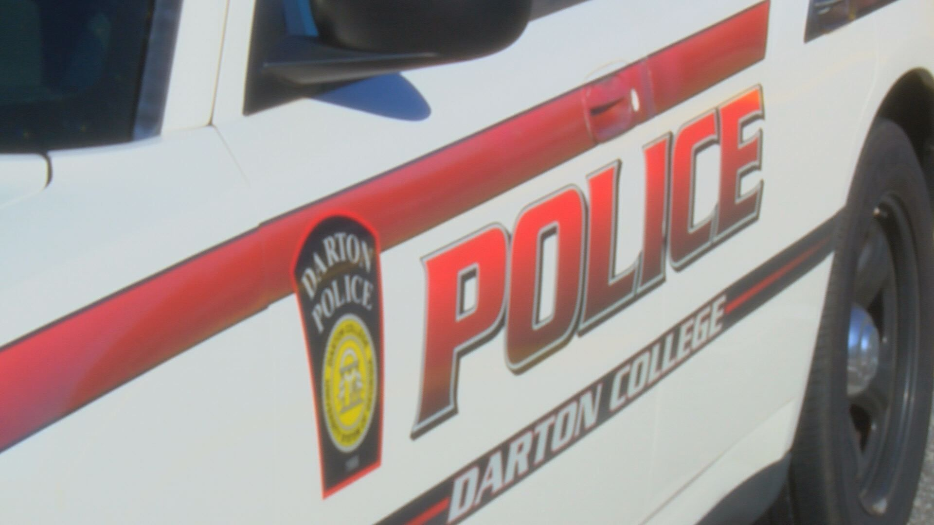 Police officer escorted out of Darton College classroom