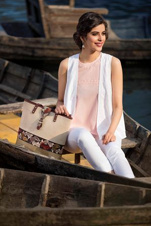 #peach #white #chikankari #shrug #tote #camisole #slimfit #pants #summer #chic #fashion #women #Fabindia