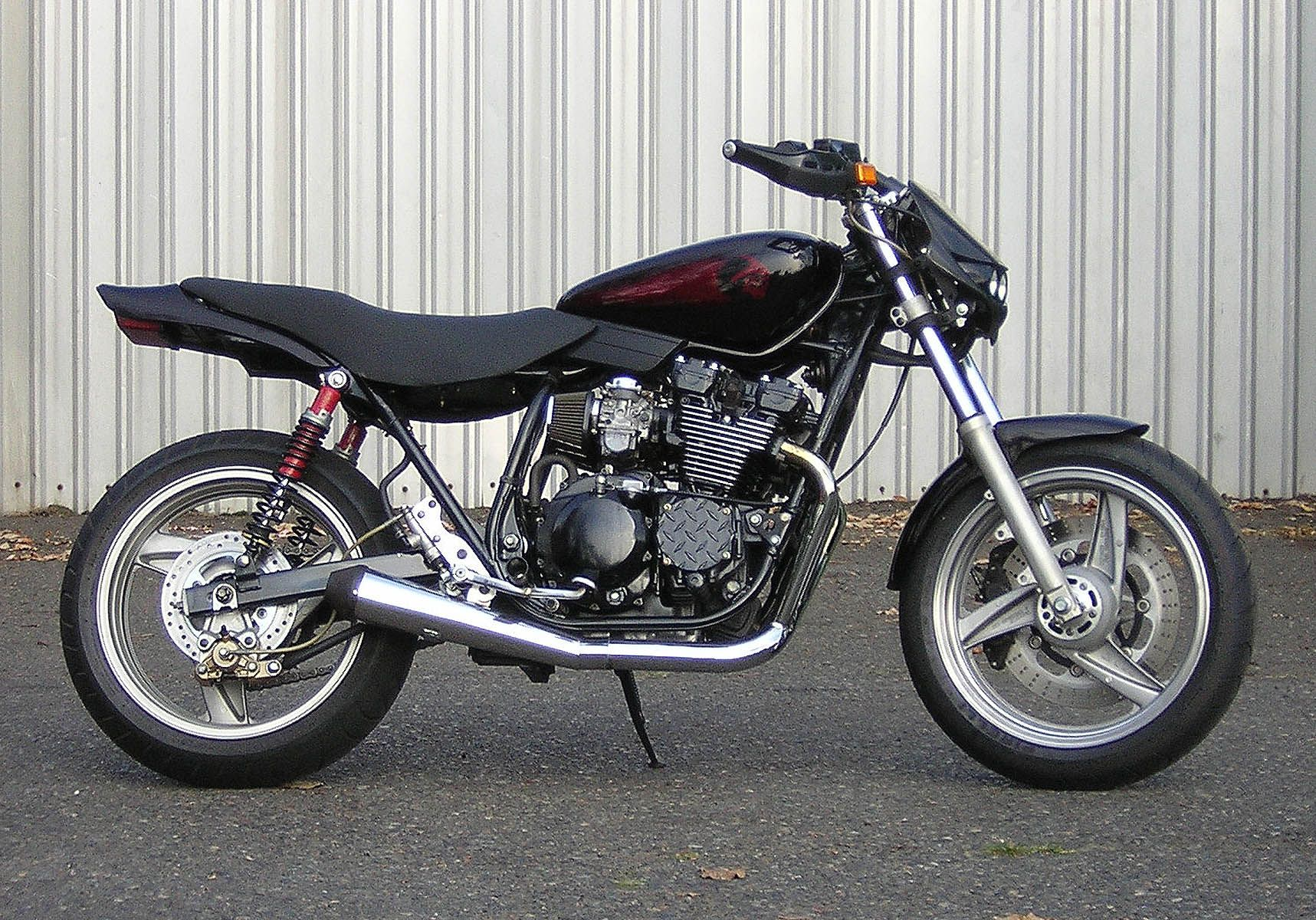 Radian Vicious Cycle My Ride Street Tracker Cafe Racer
