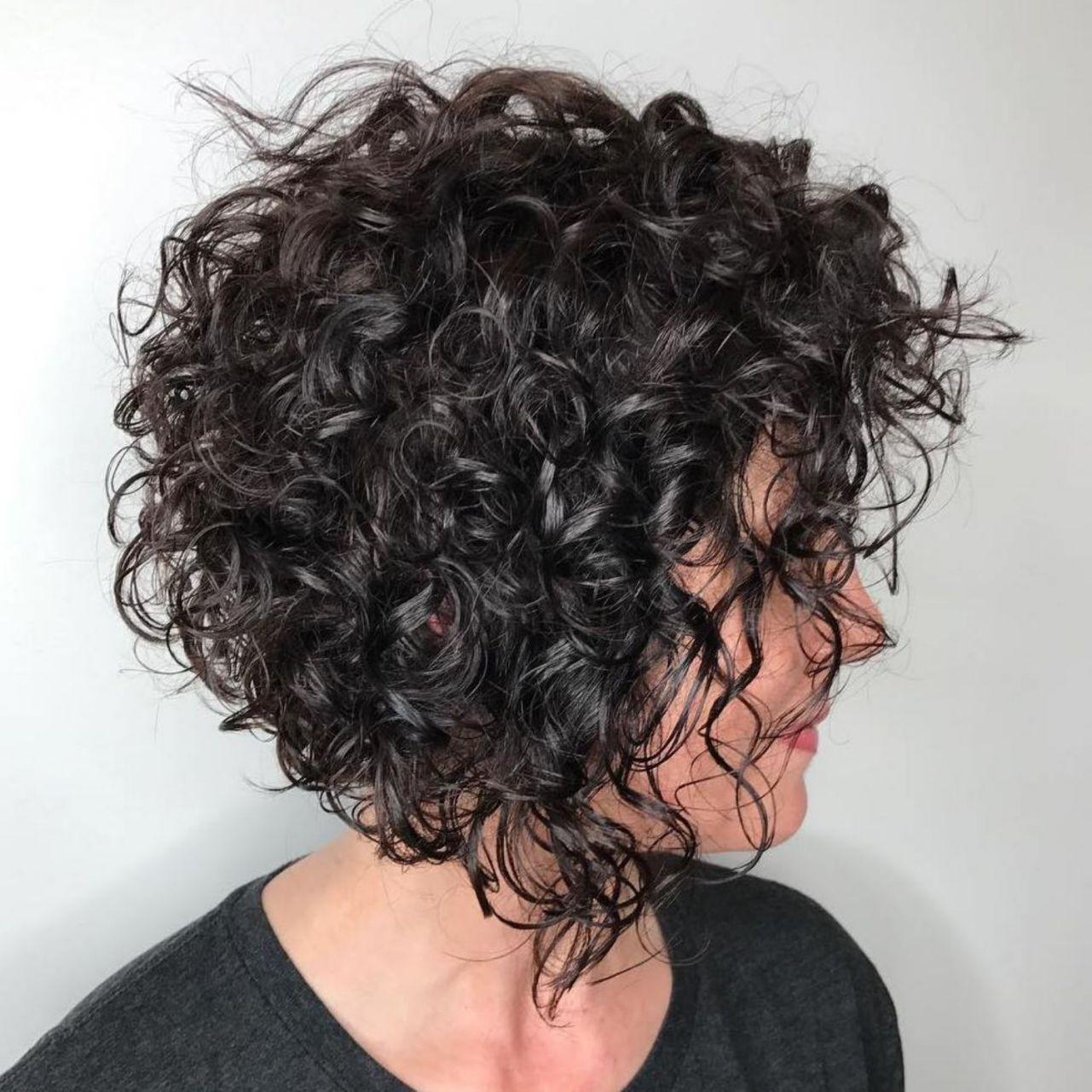 Short Razored Bob For Curly Hair  Short wavy hair, Short curly