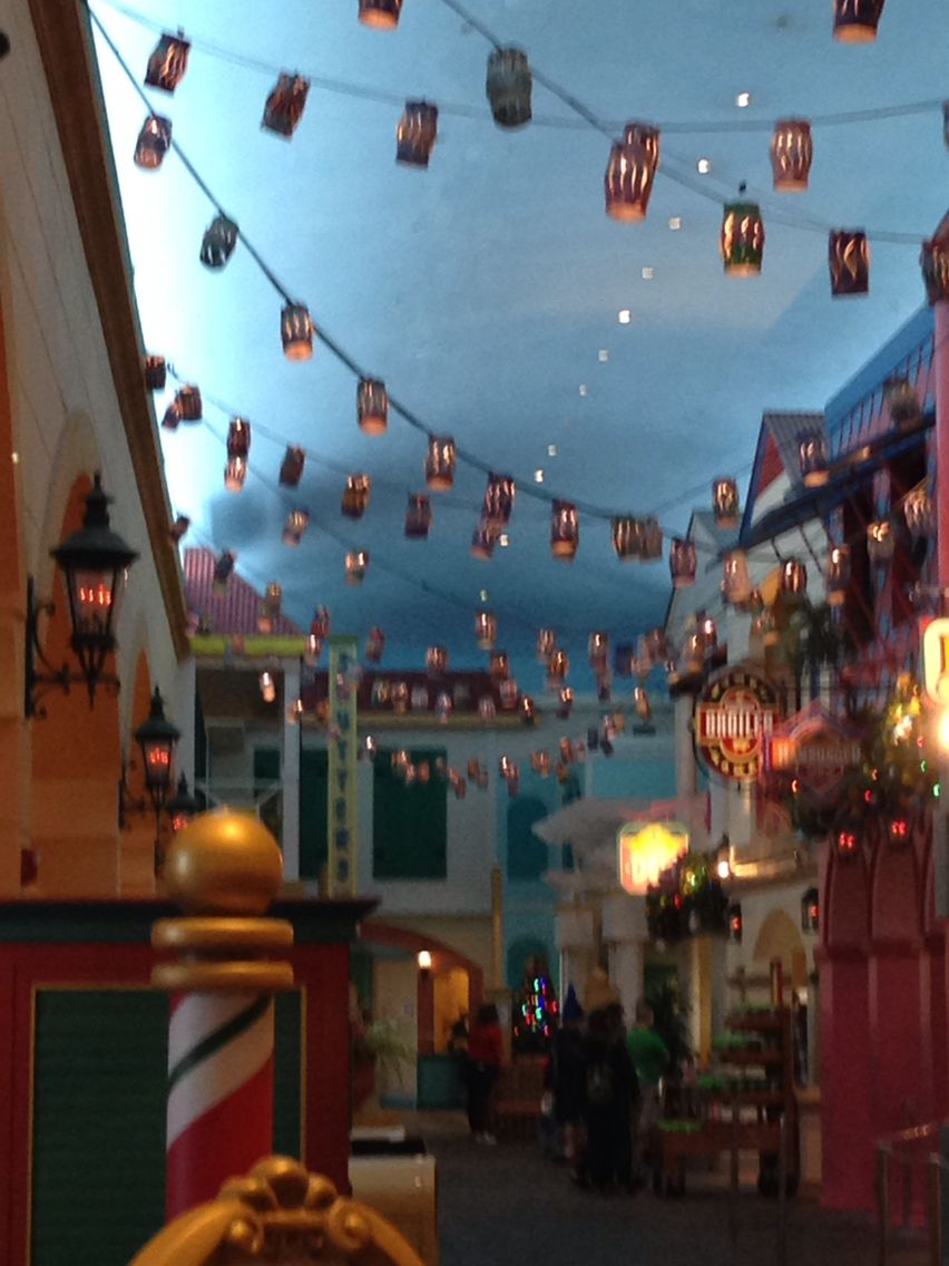 Disney S Caribbean Beach Food Court