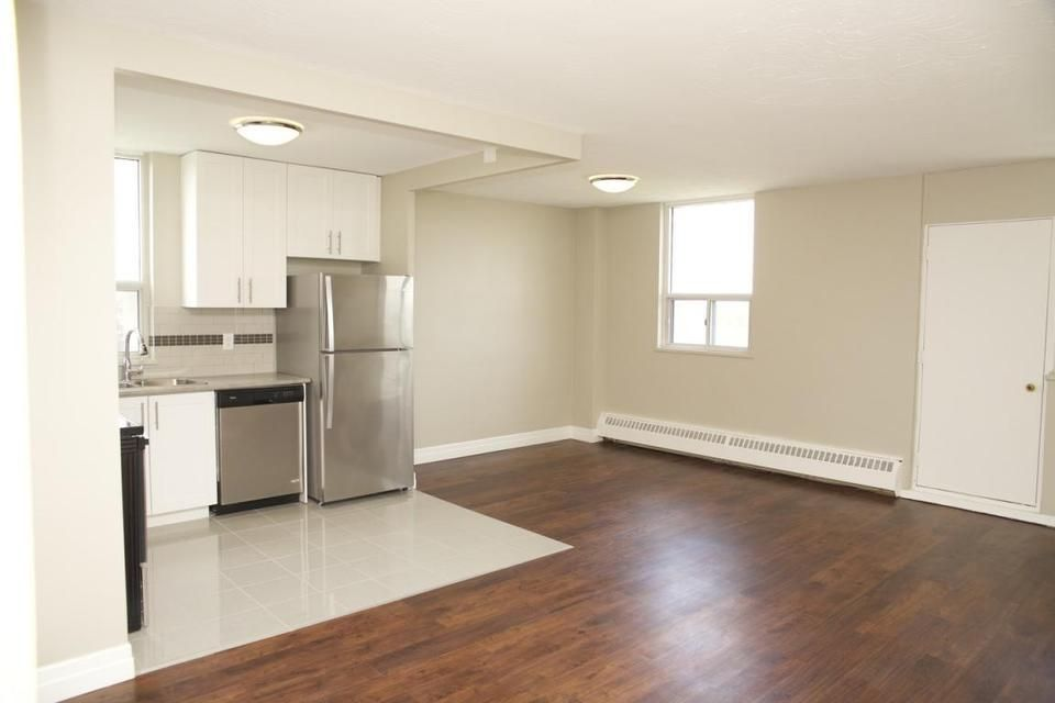 4866 Bathurst Street 2 Bedroom Apartment For Rent Toronto Ca