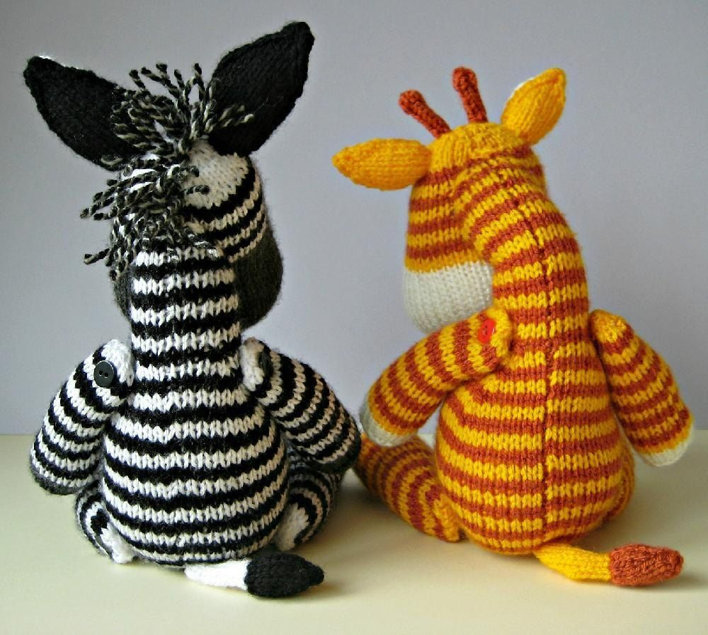 Knitting Pattern 23cm Spotty Giraffe Toy - 1211