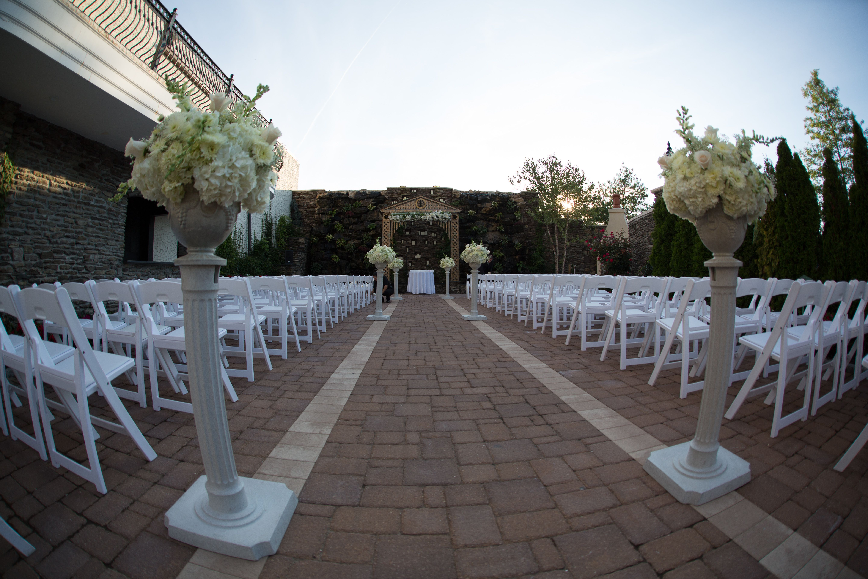 Outdoor Wedding At The Fox Hollow Somerley Room Wedding Venues Long Island Long Island Wedding Outdoor Wedding