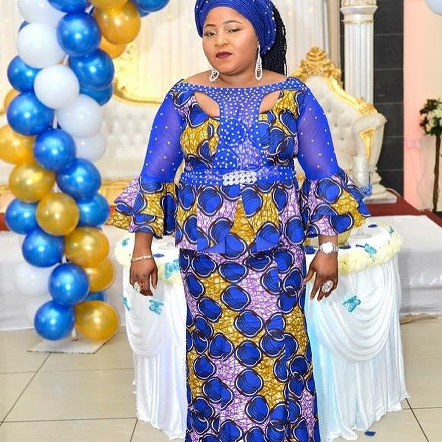 There are a number of ways to make oneself beautiful with an Asoebi style, Even if you are contemplating about what to make and slay with an Asoebi style. Nigerian Yoruba dress styles for parties arrive in a variety of patterns and designs.   The Ankara dress styles beauty of this print is that it comes in many designs and textures. Ankara will permit you make a be consistent with of any fabric without losing the African print styles flair. #nigeriandressstyles There are a number of ways to make #nigeriandressstyles