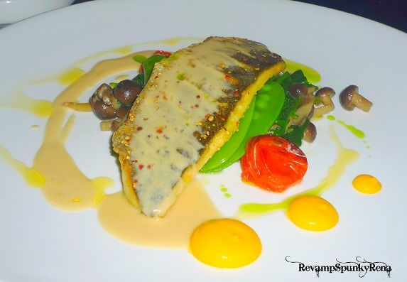 More images of French Fusion Food here : http://revampspunkyrena.blogspot.com/2013/11/ivy-restaurant-singapore-halal-french.html