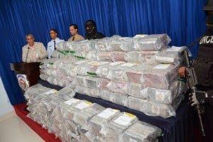 Armario de Noticias: DNCD decomisa 926 paquetes de cocaína en el Este