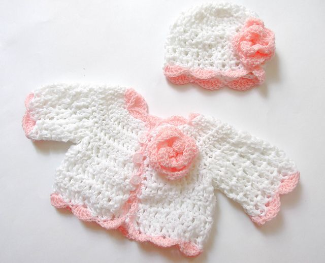 Little cardigan and hat pattern pattern by Andree Tünde | Chaqueta ...