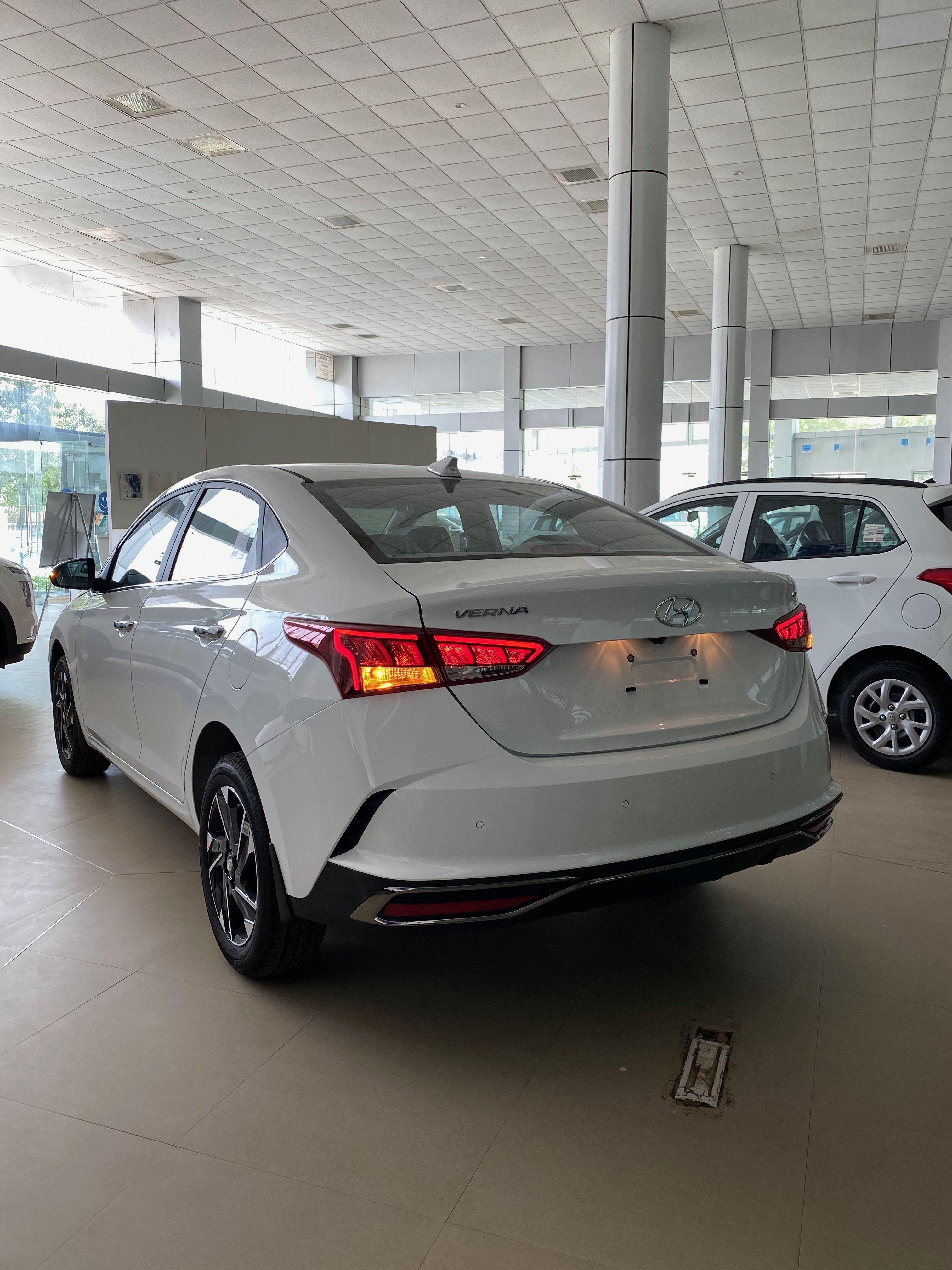 Hyundai Verna Sx O 2020 16 Lakh Real Life Review In 2020 Hyundai Hyundai Accent Hyundai Motor