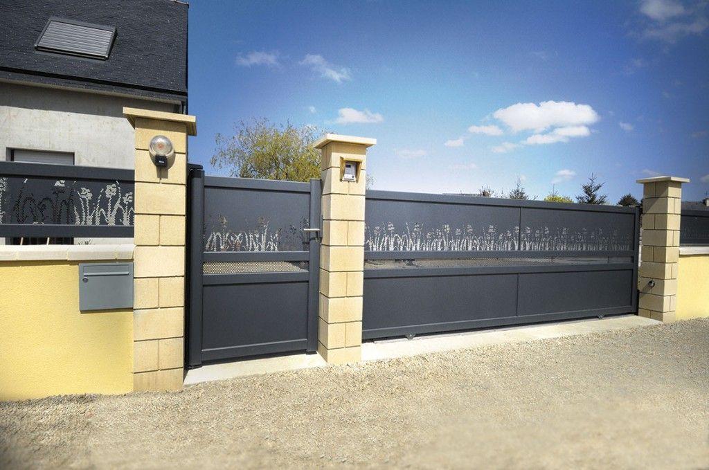 Portail Et Portillon TESSELLE Coulissant Option Végétal Tôle - Porte placard coulissante et portail avec portillon intégré