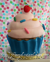 Sugar Sweet Cakes and Treats: Giant Cupcake Cake  Maybe something like this for the girl's birthday. #giantcupcakecakes Sugar Sweet Cakes and Treats: Giant Cupcake Cake  Maybe something like this for the girl's birthday. #giantcupcakecakes
