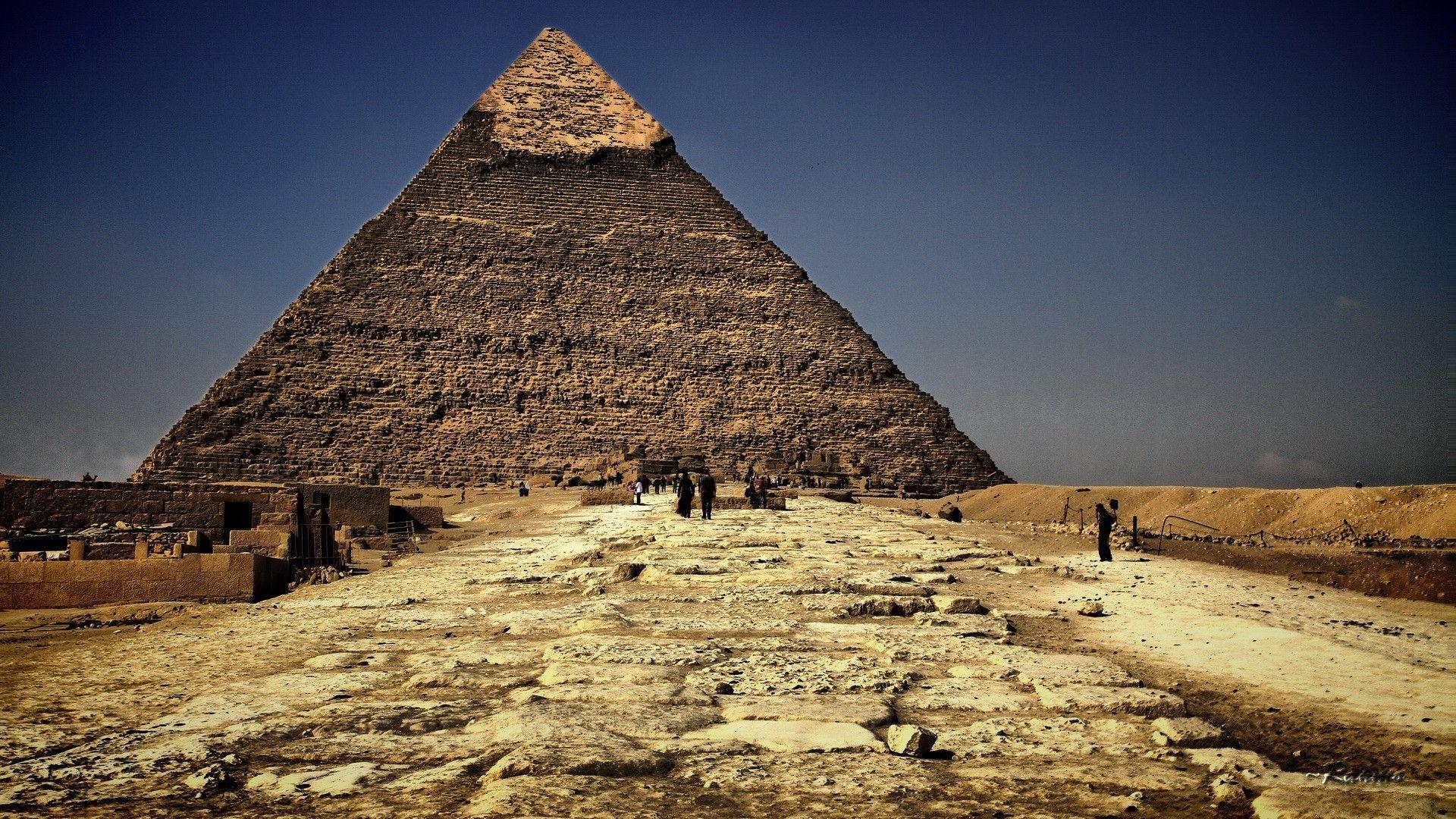 Download 1920x1080 Hd Wallpaper Pyramid Travel Attractions Ancient Egypt Desert Wonder Desktop Backgrou Great Pyramid Of Giza Pyramids Of Giza Egypt Wallpaper