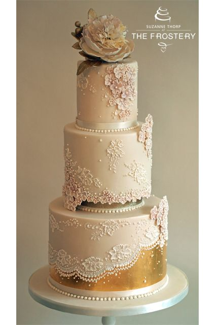 edible gold leaf wedding cake wedding cake with edible gold leaf sugar lace applique 13906