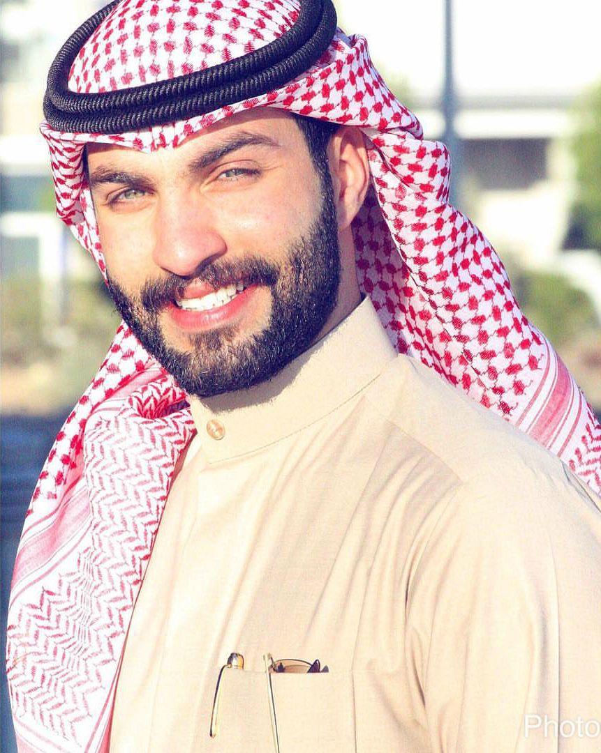 Kuwaiti guys , Arab me...