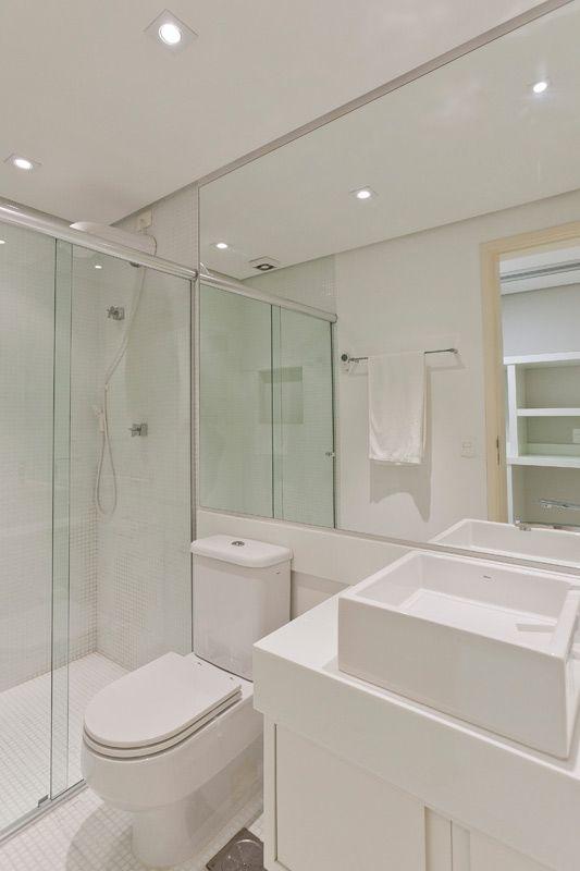 DECORACAOBANHEIRO PEQUENOBANHEIRO CLARO[3]  armario banheiro  Pinterest  -> Banheiro Pequeno Quanto Custa