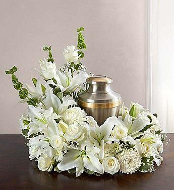Cremation Wreath All White 1800flowers Com 161109 Fleurs Urne Funeraire Fleurs De Funeraires Urne Funeraire