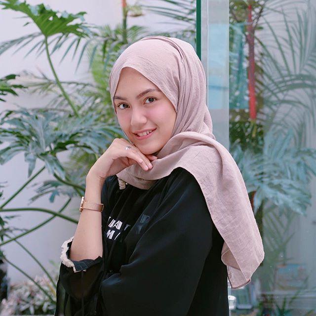 Aku Sangat Bangga Menjadi Wanita Indonesia Yang Terkenal Memiliki Beragam Kecantikan Tapi Apa Sih Cantik Itu Di Indonesia Sendiri Ma Wanita Kecantikan Orang