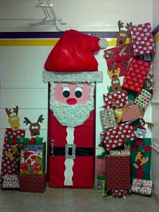 Papa Noel Christmas Door Decorating Contest Christmas