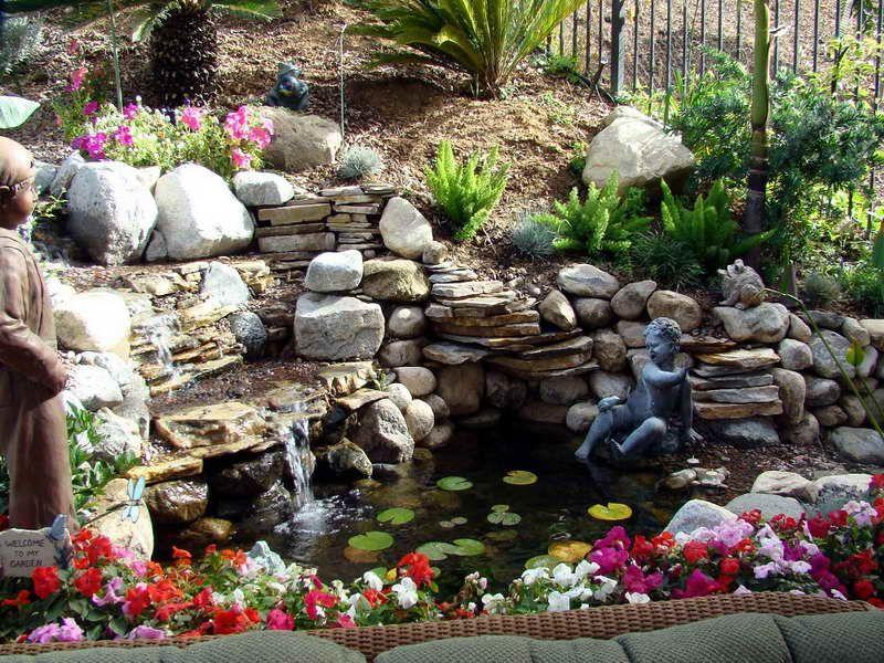 Fuentes rusticas de piedra para jardin buscar con google - Fuentes de patio ...