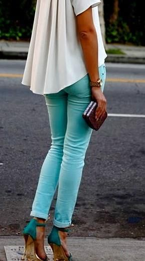 turquoise trousers look beautiful to tanned skin