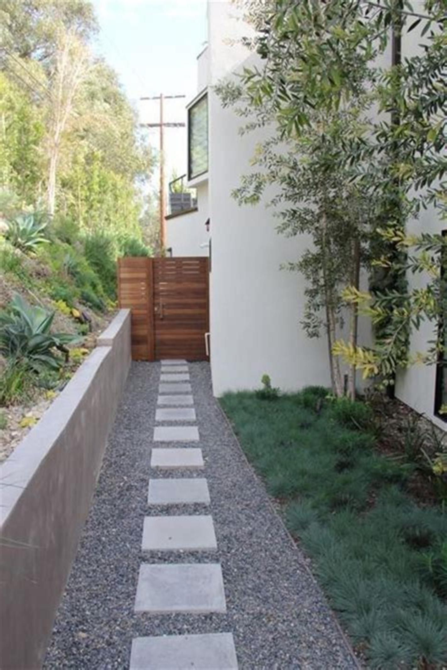 31 Perfect Mid Century Landscaping Ideas For Your Home Front