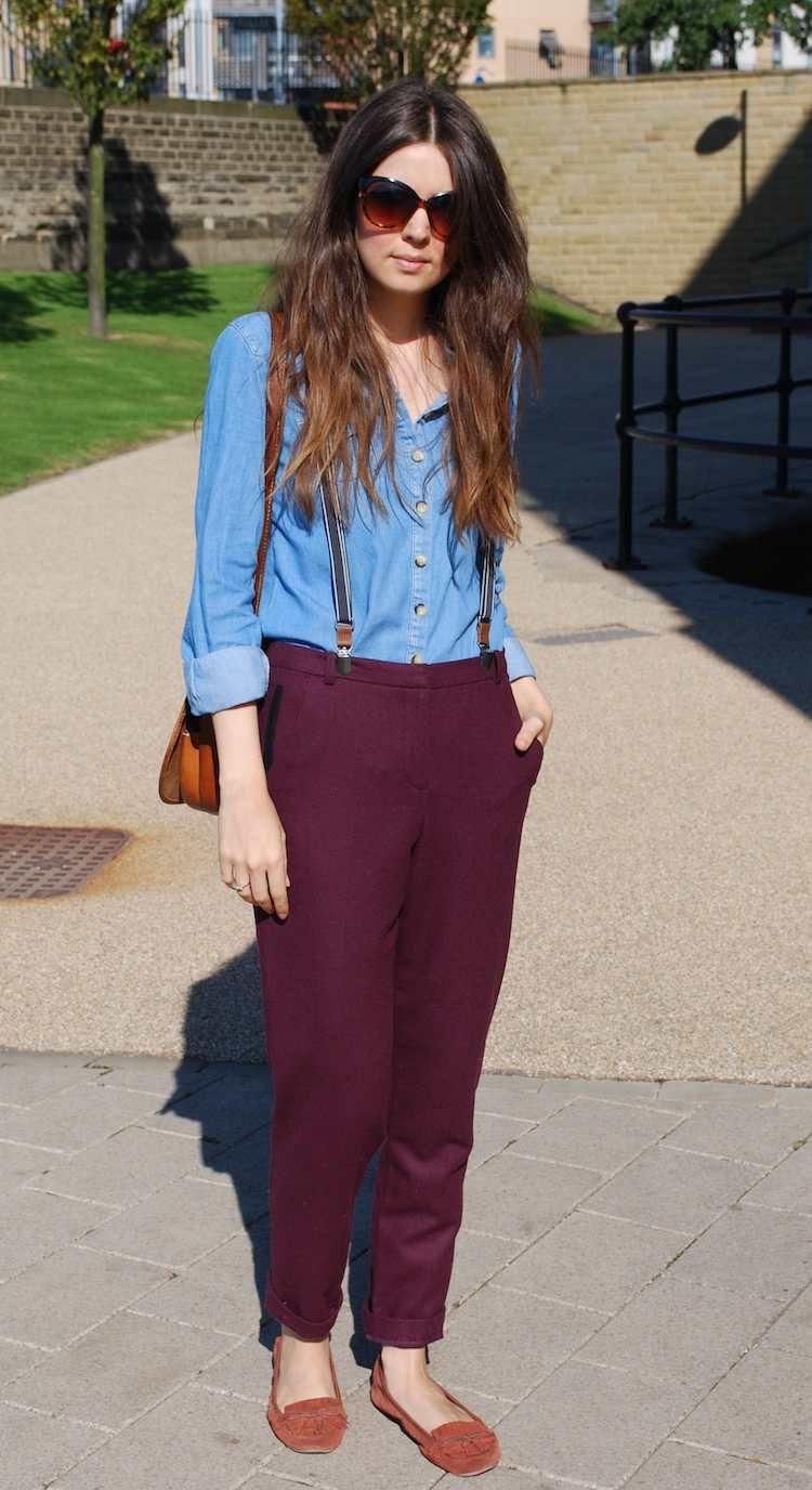 e3140350fea5a porter des bretelles avec un pantalon bordeaux et chaussures plates #fashion