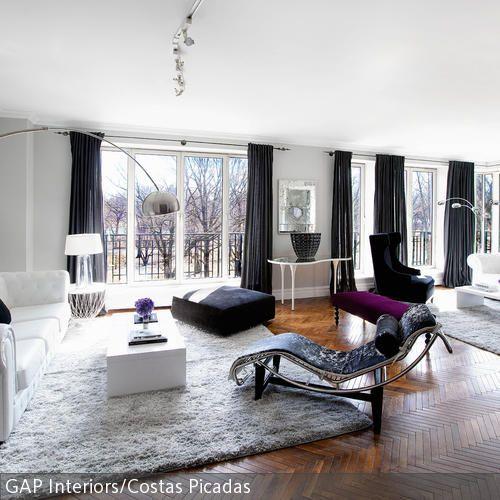 le corbusier liege f r das wohnzimmer schwarz und wei kombination und klassisch. Black Bedroom Furniture Sets. Home Design Ideas