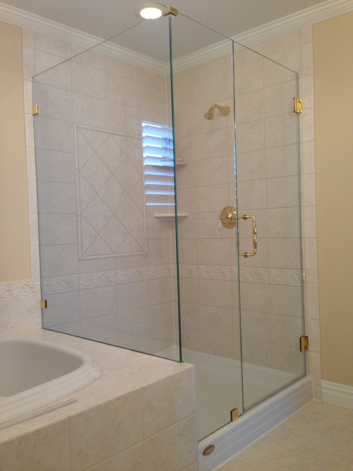 Showerman Frameless Shower Enclosure Layout Is A Classic