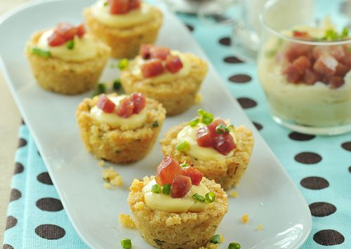 Cheesecake crunch bites desserts pinterest for Canape toppings