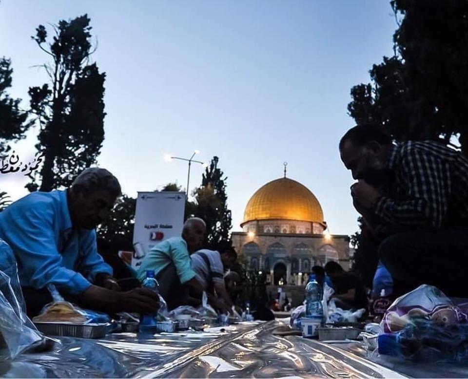 القدس في شهر رمضان Taj Mahal Landmarks Travel