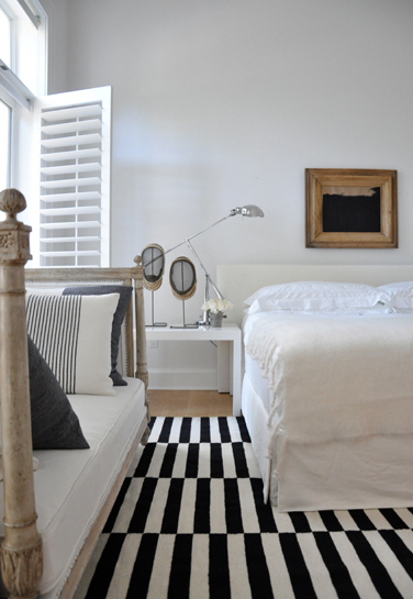 the ability to simplify Bedroom interior, White interior