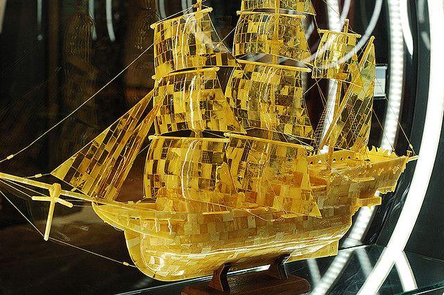 Amber model ship | by Umschauen