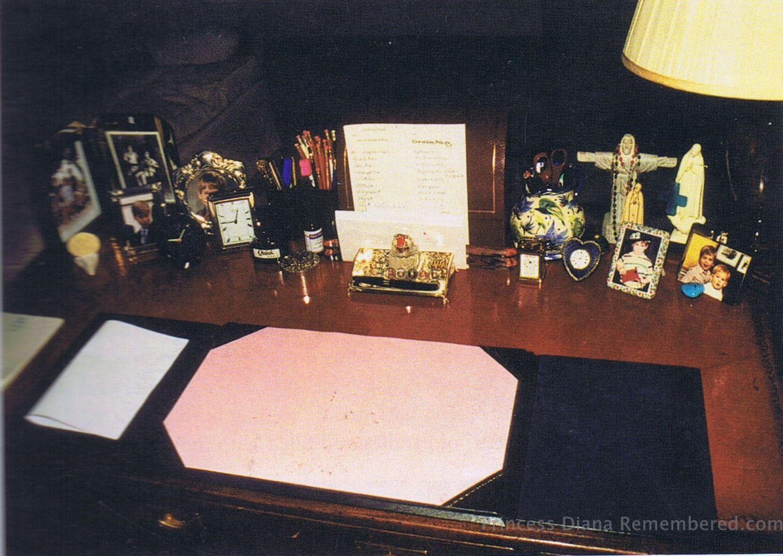Diana's desk. http://www.princess-diana-remembered.com/uploads/5/3/3/5/5335384/dianas_desk_in_apartment_kensington_palace-001.jpg