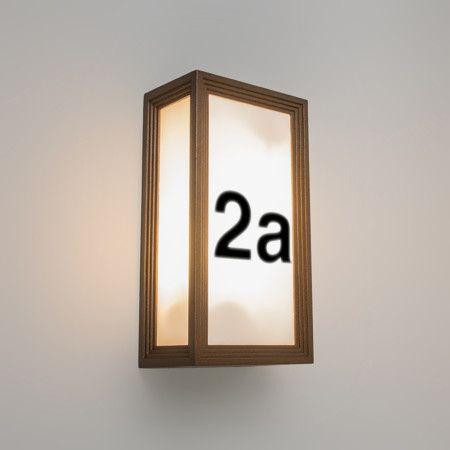 wandleuchte tide ii rostfarben mit hausnummer aufklebern beleuchtete hausnummern hausnummern. Black Bedroom Furniture Sets. Home Design Ideas